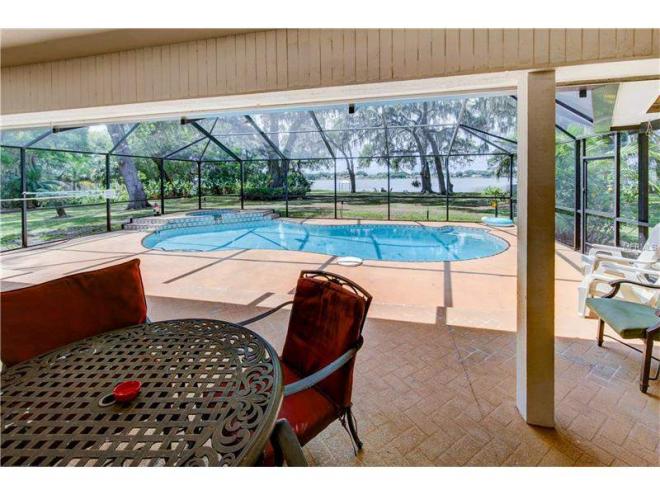 2070 Lake Ariana Blvd, Auburndale, FL 33823